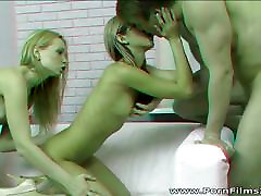 Porn Films 3D - Bisexual teens in anal threesome