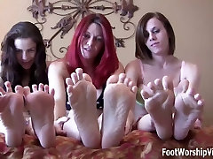 Leyla sucking on Ayanna&039;s little ebony toes