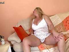 Mature mother with big tits and hungry holes
