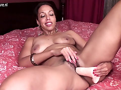 Sweet amateur MILF with hungry pink hole