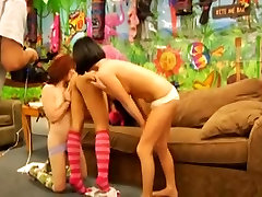 Vibrating lesbian threesome