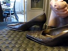 Cum in wifes brown classic pump